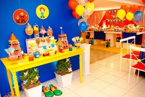 Circus Party Full of Awesome Ideas via Kara's Party Ideas | KarasPartyIdeas.com #CarnivalParty #Circus #PartyIdeas #Supplies (4)