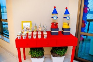 Circus Party Full of Awesome Ideas via Kara's Party Ideas | KarasPartyIdeas.com #CarnivalParty #Circus #PartyIdeas #Supplies (2)