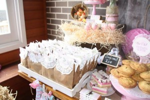 Vintage Cowgirl Party with SUCH CUTE IDEAS via Kara's Party Ideas | KarasPartyIdeas.com #WesternParty #CowgirlParty #Party #Ideas #Supplies (7)