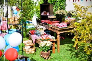 Garden Picnic Party with Lots of Really Cute Ideas via Kara's Party Ideas | KarasPartyIdeas.com #PicnicParty #PartyIdeas #Supplies (15)