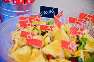 Garden Picnic Party with Lots of Really Cute Ideas via Kara's Party Ideas | KarasPartyIdeas.com #PicnicParty #PartyIdeas #Supplies (9)