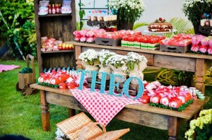 Garden Picnic Party with Lots of Really Cute Ideas via Kara's Party Ideas | KarasPartyIdeas.com #PicnicParty #PartyIdeas #Supplies (5)