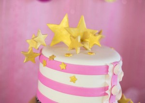 Pink Hollywood Glam Party with Lots of Really Cute Ideas via Kara's Party Ideas | KarasPartyIdeas.com #GirlyParty #HollywoodGlamParty #PartyIdeas #Supplies (13)