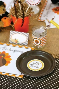 Thanksgiving Kids Table with FREE PRINTABLES via Kara's Party Ideas | KarasPartyIdeas.com #ThanksgivingPrintables #ThanksgivingTable #Party #Ideas #Supplies (15)