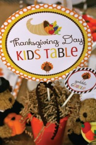 Thanksgiving Kids Table with FREE PRINTABLES via Kara's Party Ideas | KarasPartyIdeas.com #ThanksgivingPrintables #ThanksgivingTable #Party #Ideas #Supplies (11)