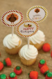 Thanksgiving Kids Table with FREE PRINTABLES via Kara's Party Ideas | KarasPartyIdeas.com #ThanksgivingPrintables #ThanksgivingTable #Party #Ideas #Supplies (9)
