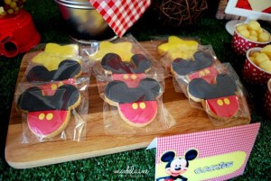 Mickey's Magic Land Mickey Mouse Party Full of Cute Ideas via Kara's Party Ideas | KarasPartyIdeas.com #MickeyMouse #PartyIdeas #Supplies (2)