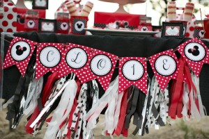 Minnie Mouse Polka Dot Picnic with Lots of Cute Ideas via Kara's Party Ideas | KarasPartyIdeas.com #MinnieMouse #PartyIdeas #Supplies (10)