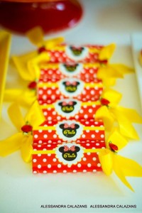 Minnie Mouse Party with Such Cute Ideas via Kara's Party Ideas | KarasPartyIdeas.com #MinnieMouse #Party Ideas #Supplies (20)