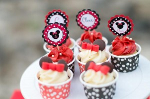 Minnie Mouse Polka Dot Picnic with Lots of Cute Ideas via Kara's Party Ideas | KarasPartyIdeas.com #MinnieMouse #PartyIdeas #Supplies (4)