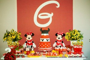 Minnie Mouse Party with Such Cute Ideas via Kara's Party Ideas | KarasPartyIdeas.com #MinnieMouse #Party Ideas #Supplies (14)