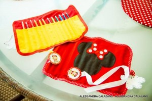 Minnie Mouse Party with Such Cute Ideas via Kara's Party Ideas | KarasPartyIdeas.com #MinnieMouse #Party Ideas #Supplies (5)