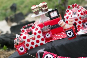 Minnie Mouse Polka Dot Picnic with Lots of Cute Ideas via Kara's Party Ideas | KarasPartyIdeas.com #MinnieMouse #PartyIdeas #Supplies (12)
