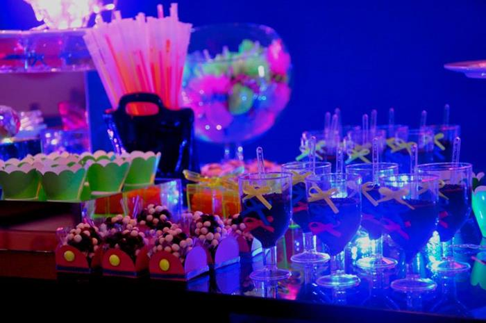 Neon Themed Tween Party With So Many Fabulous Ideas Via Karas