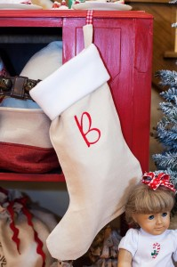 Vintage Santa Christmas Party with Full of DARLING IDEAS via Kara's Party Ideas | KarasPartyIdeas.com #ChristmasParty #SantaClausParty #Party #Ideas #Supplies (9)