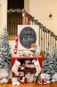 Vintage Santa Christmas Party with Full of DARLING IDEAS via Kara's Party Ideas | KarasPartyIdeas.com #ChristmasParty #SantaClausParty #Party #Ideas #Supplies (4)