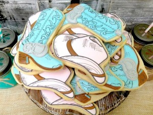Vintage Cowboy and Cowgirl Party with Lots of REALLY CUTE IDEAS via Kara's Party Ideas KarasPartyIdeas.com #WesternParty #CowboyParty #CowgirlParty #PartyIdeas #Supplies (41)
