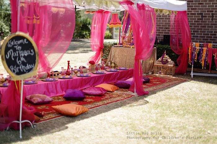 Kara 39 s party ideas arabian belly dancer party with such for Arabian party decoration