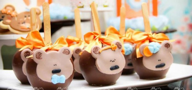 Goldilocks and the Three Bears Themed Party with So Many Cute Ideas via Kara's Party Ideas | KarasPartyIdeas.com #GoldilocksParty #TheThreeBears #Party #Ideas #Supplies (2)