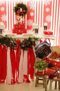 Red and White Christmas Party with Lots of Really Cute Ideas via Kara's Party Ideas | KarasPartyIdeas.com #ChristmasParty #HolidayParty #Party #Ideas #Supplies (15)