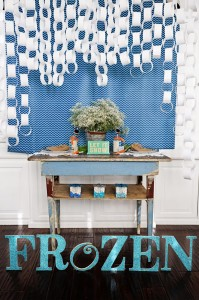 Disney's Frozen Party with So Many Cute Ideas via Kara's Party Ideas KarasPartyIdeas.com #FrozenParty #SnowmanParty #WinterWonderland #PartyIdeas #Supplies (10)