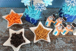 Disney's Frozen Party with So Many Cute Ideas via Kara's Party Ideas KarasPartyIdeas.com #FrozenParty #SnowmanParty #WinterWonderland #PartyIdeas #Supplies (8)