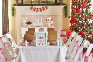 Gingerbread House Decorating Party Full of Cute Ideas via Kara's Party Ideas | KarasPartyIdeas.com #GingerbreadCookies #ChristmasParty #PartyIdeas #Supplies (20)