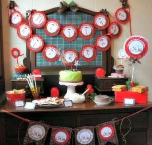 Christmas Parade Party with Such Cute Ideas via Kara's Party Ideas | KarasPartyIdeas.com #ChristmasParty #HolidayParty #PartyIdeas #Supplies (11)
