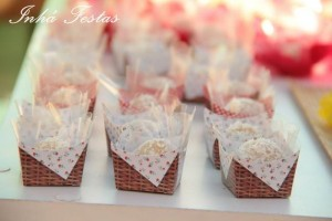 Picnic Party with Lots of Really Cute Ideas via Kara's Party Ideas | KarasPartyIdeas.com #PicnicPartyIdeas #SummerPicnic #PartyIdeas #Supplies (15)