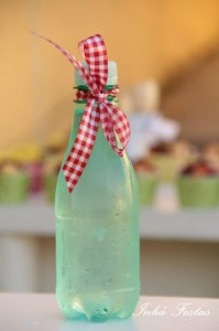 Picnic Party with Lots of Really Cute Ideas via Kara's Party Ideas | KarasPartyIdeas.com #PicnicPartyIdeas #SummerPicnic #PartyIdeas #Supplies (13)
