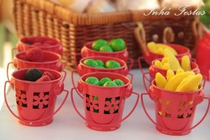 Picnic Party with Lots of Really Cute Ideas via Kara's Party Ideas | KarasPartyIdeas.com #PicnicPartyIdeas #SummerPicnic #PartyIdeas #Supplies (10)