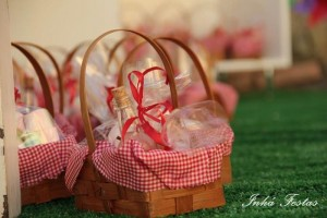 Picnic Party with Lots of Really Cute Ideas via Kara's Party Ideas | KarasPartyIdeas.com #PicnicPartyIdeas #SummerPicnic #PartyIdeas #Supplies (5)