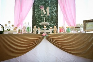 Royal Garden Party with So Many Cute Ideas via Kara's Party Ideas KarasPartyIdeas.com #PrincessParty #CinderellaParty #GirlParty #PartyIdeas #Supplies (25)