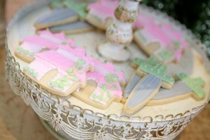Royal Garden Party with So Many Cute Ideas via Kara's Party Ideas KarasPartyIdeas.com #PrincessParty #CinderellaParty #GirlParty #PartyIdeas #Supplies (12)