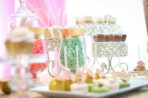 Royal Garden Party with So Many Cute Ideas via Kara's Party Ideas KarasPartyIdeas.com #PrincessParty #CinderellaParty #GirlParty #PartyIdeas #Supplies (11)