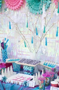 Disney's Frozen themed birthday party full of ideas! Via KarasPartyIdeas.com #frozen #frozenparty (11)