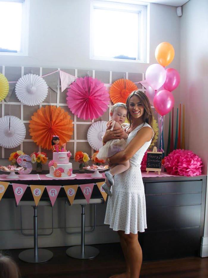 Dora The Explorer Modern Girl Birthday Party Full Of Really Cute Ideas Via Karas