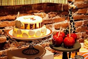 Jungle Safari themed birthday party full of ideas! Via KarasPartyIdeas.com #jungleparty #safariparty (10)