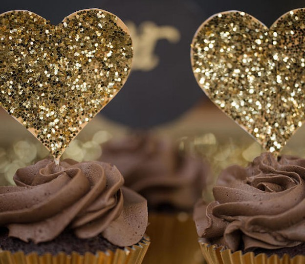 Hearts of Gold Party via Kara's Party Ideas KarasPartyIdeas.com #HeartOfGold #ValentinesDay #SparkleAndShine #PartyIdeas #WeddingIdeas (9)