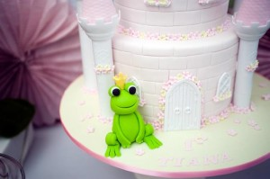 Pastel Princess and the Frog Party with Lots of Cute Ideas via Kara's Party Ideas | KarasPartyIdeas.com #ThePrincessAndThe Frog #Disney #PrincessParty #PartyIdeas #Supplies (10)