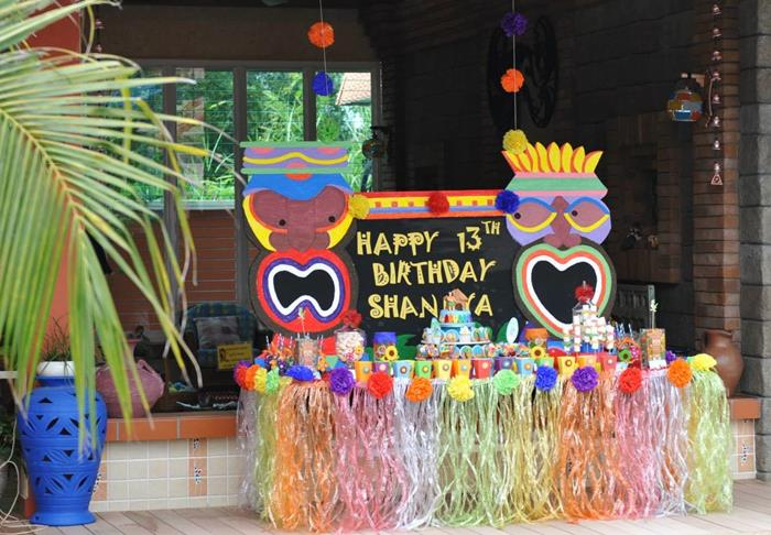 Hawaiian Themed 13th Birthday Pool Party With Lots Of Really Cute Ideas Via Karas