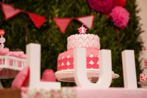 A Heart Party with Lots of Really Cute Ideas via Kara's Party Ideas KarasPartyIdeas.com #ValentinesDay #LoveParty #PartyIdeas #Supplies (27)