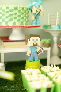Minecraft Party with So Many Awesome Ideas via Kara's Party Ideas Kara Allen KarasPartyIdeas.com #MinecraftParty #BoyParty #PartyIdeas #Supplies (17)