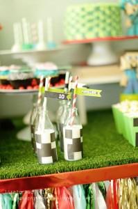 Minecraft Party with So Many Awesome Ideas via Kara's Party Ideas Kara Allen KarasPartyIdeas.com #MinecraftParty #BoyParty #PartyIdeas #Supplies (14)