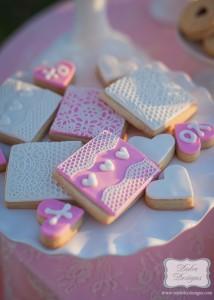 Valentine's Day Picnic with So Many Darling Ideas via Kara's Party Ideas Kara Allen KarasPartyIdeas.com #ValentinesParty #PartyIdeas #Supplies (9)