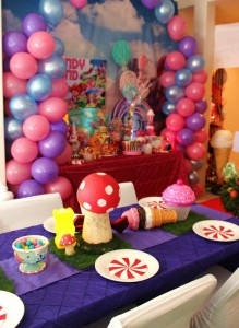 Willy Wonka's Candyland Wonderland Themed Party with So Many Cute Ideas via Kara's Party Ideas KarasPartyIdeas.com #WillyWonkaParty #CharlieAndTheChocolateFactory #CandylandParty #PartyIdeas #Supplies (14)