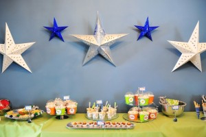 Astronaut Themed Birthday Party with Lots of Really Fun Ideas via Kara's Party Ideas | KarasPartyIdeas.com #spaceparty #alienparty #solarsystemparty #partyideas (9)