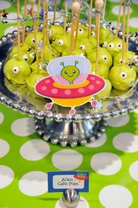 Astronaut Themed Birthday Party with Lots of Really Fun Ideas via Kara's Party Ideas   KarasPartyIdeas.com #spaceparty #alienparty #solarsystemparty #partyideas (17)