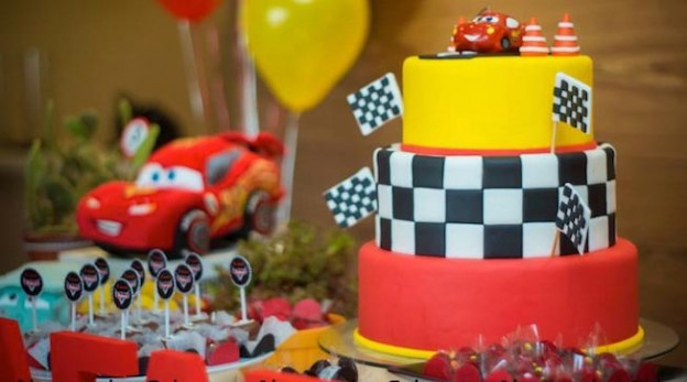 Lightning McQueen + Cars themed birthday party with Such Cute Ideas via Kara's Party Ideas Kara Allen KarasPartyIdeas.com #lightningmcqueen #carsparty #partydecor #karaspartyideas (1)