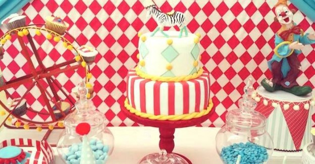 Vintage Circus themed birthday party with Such Cute Ideas via Kara's Party Ideas KarasPartyIdeas.com #circuspartyideas #circuscake #circuspartydecor #carnivalparty #vintagecircus #partyideas (1)